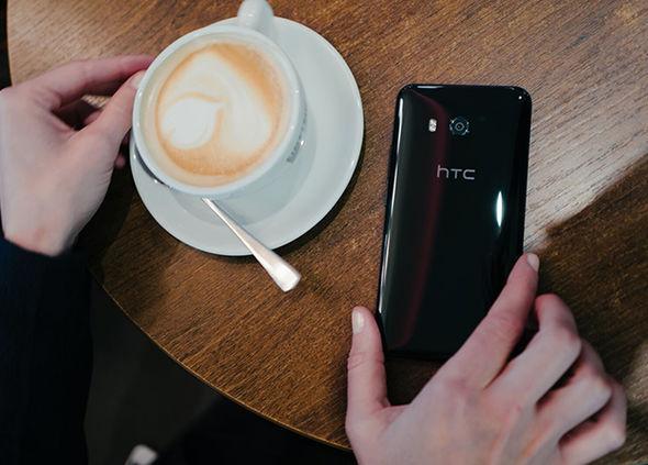 گوشی موبایل HTC U11