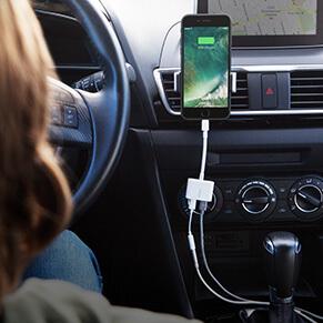 تبدیل هندزفری و شارژ لایتینگ Lightning Audio + Charge RockStar